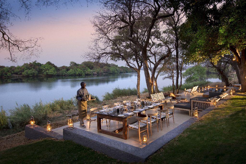 Matetsi-River-House-Outdoor-dining-3.jpg